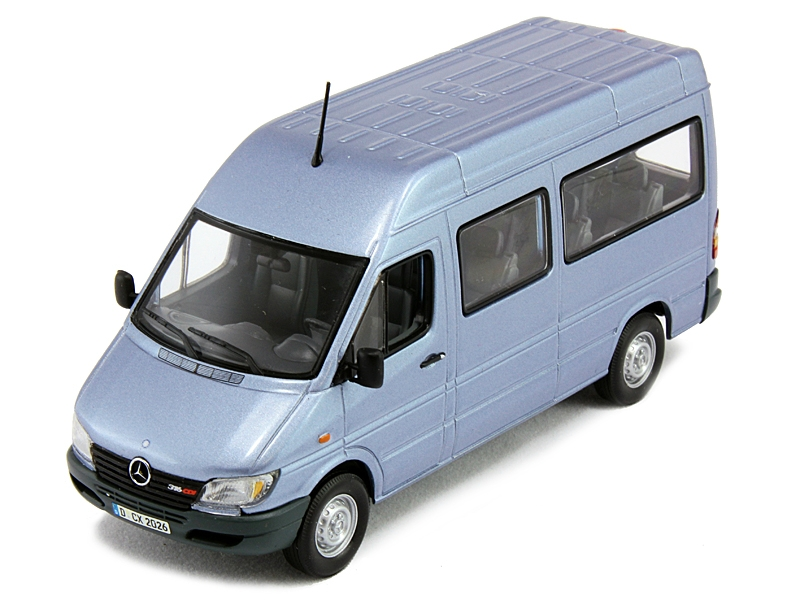 1 43 mercedes benz sprinter pearl blue for Miniature mercedes benz models