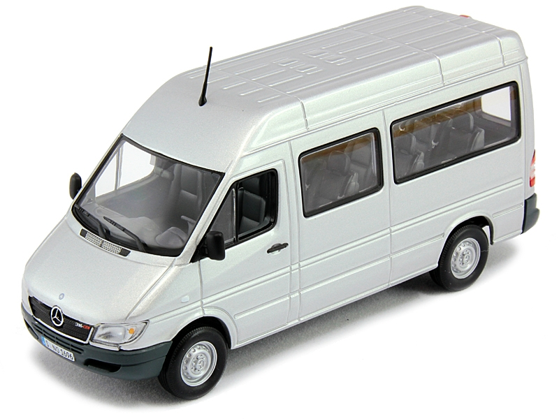 1 43 mercedes benz sprinter zircon silver for Miniature mercedes benz models