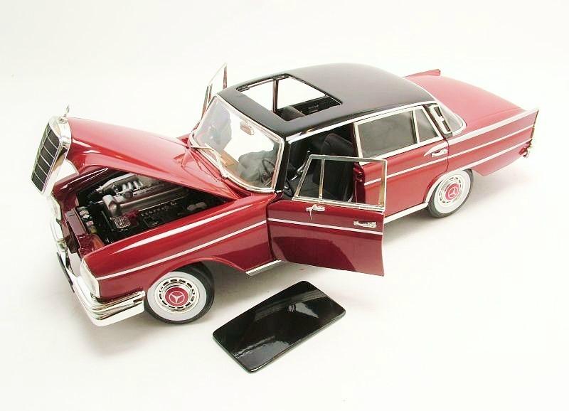 1 18 mercedes benz 300 se w111 heckflosse 1961 for Mercedes benz 300 se